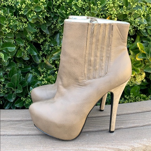 b67e5051a8b JustFab Joelle Light Brown Stiletto Ankle Boots